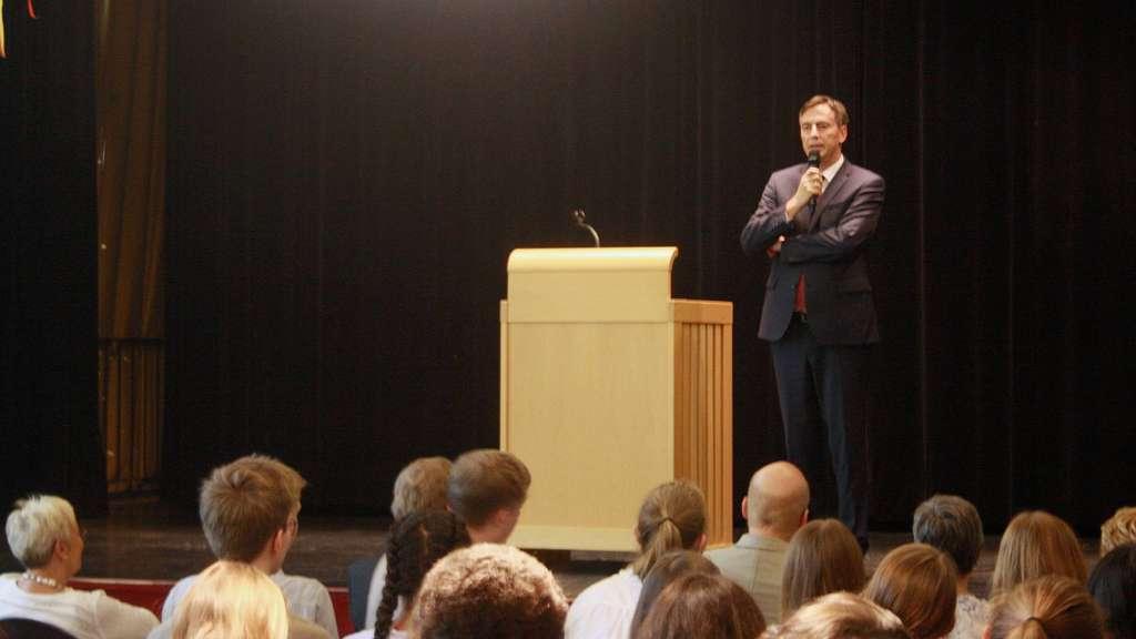Kreiszeitung: EU-Politiker McAllister warnt an Eichenschule vor Nationalismus