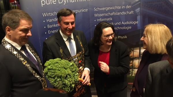 """Nordwest Zeitung: """"Defftig Ollnborger Gröönkohl-Äten"""" Na also, die Grööko steht!"""