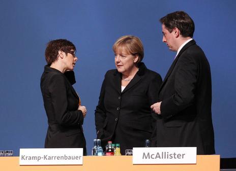 """Nordwest Zeitung: McAllister – """"Beifall für Frau Kramp-Karrenbauer"""""""