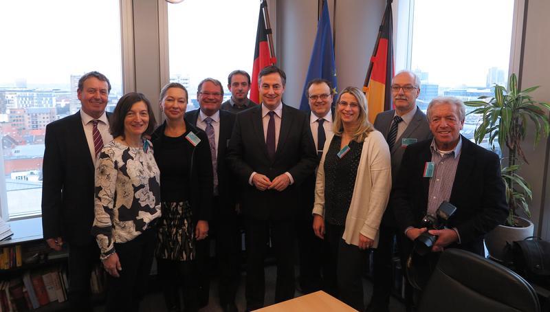 Cuxhaver Nachrichten: Cuxhavener bei McAllister zu Gast in Brüssel