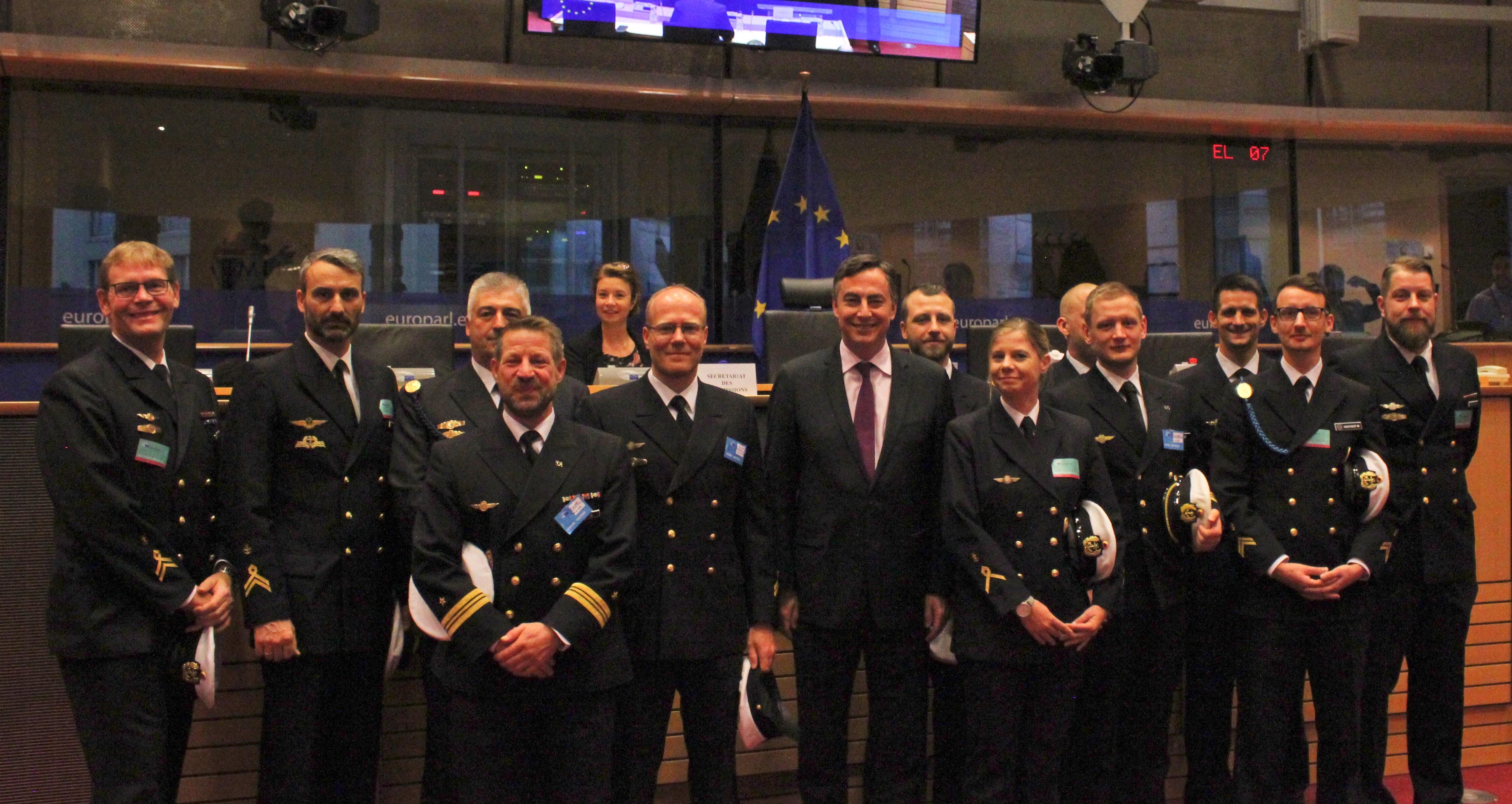 Presseinformation, 07.12.2018: Nordholzer Marineflieger mit Beifall im Europäischen Parlament begrüßt